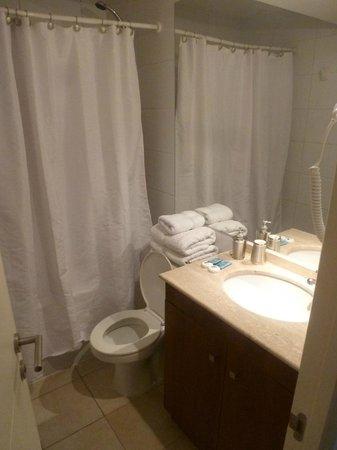 Agustina Suite: banheiro do flat