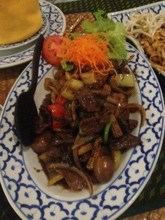 Thai Tanee: Beef in yellow chilli sauce