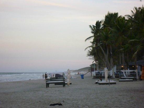 Costa Linda Beach: vista lateral da praia