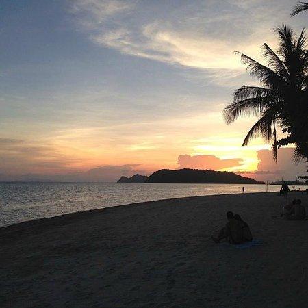 Chantaramas Resort: Sunset over the beach
