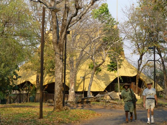 Victoria Falls Safari Lodge: Lodge