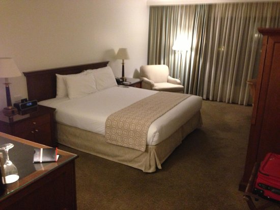 Stamford Plaza Sydney Airport: Nice big room