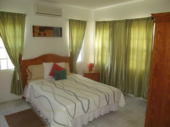 Nature Garden's Vacation Apartments: Bedroom