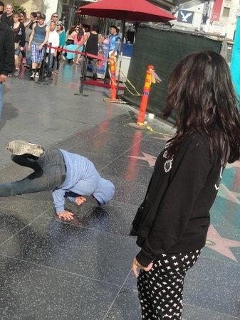 Hollywood Walk of Fame: Break Dance en Hollywood Boulevard