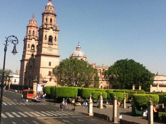 City Express Morelia: Vista a Catedral