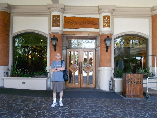 The Legend Villas : front entrance to hotel