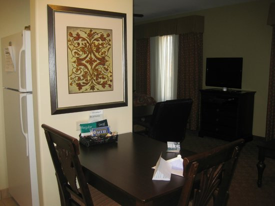 Homewood Suites by Hilton McAllen: Room