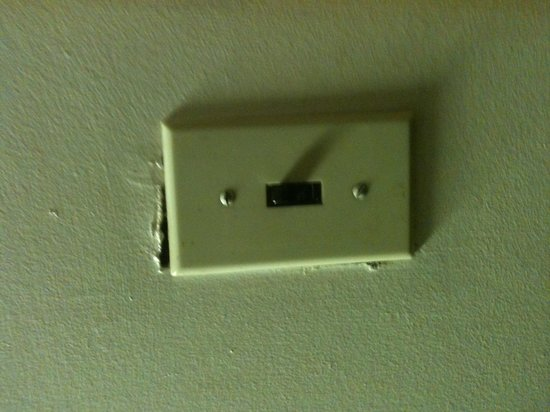 Island View Motel: The light switch