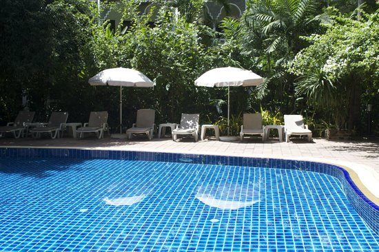 Tropica Resort and Restaurant: tropica pool and garden