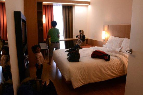 Hotel ibis Bandung Trans Studio : Queen size room