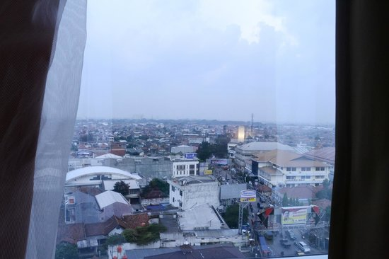 Hotel ibis Bandung Trans Studio: VIew from the room