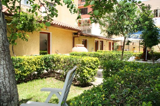 Solemare B&B - Apartments Alghero: The studios... outside view