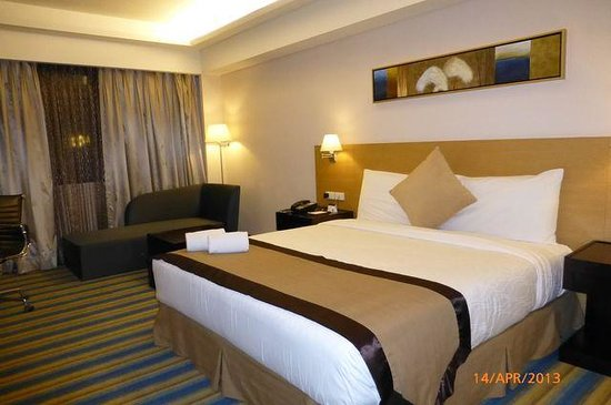 Luxent Hotel: room pic01