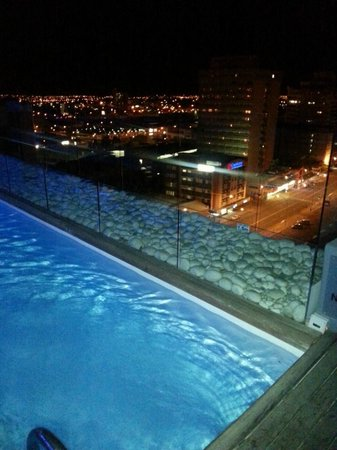 Hilton Windhoek: Pool View