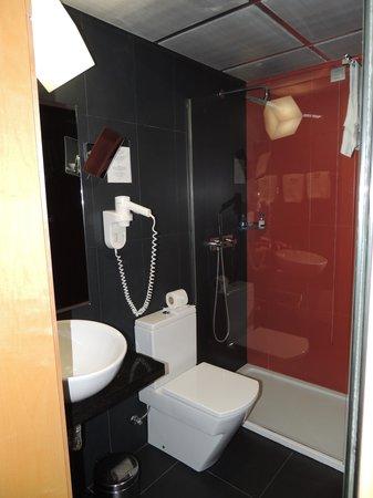 Hotel Alif Avenidas: Bagno