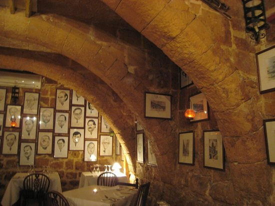 Malata Restaurant : Wonderful vaulted ceilings
