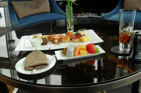 The St Regis Cafe 96th Floor Atrium Picture Of Kingkey