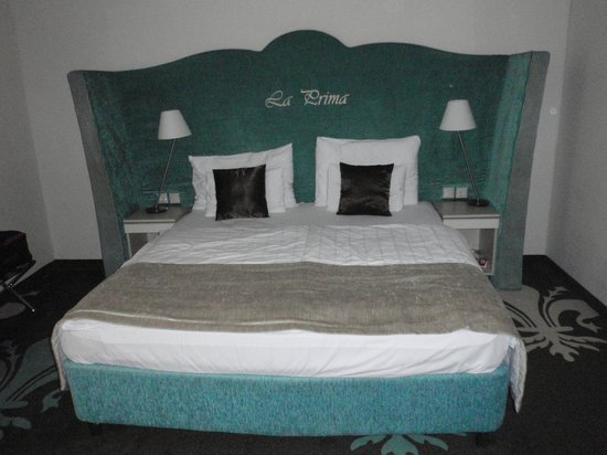 La Prima Fashion Hotel: Bed