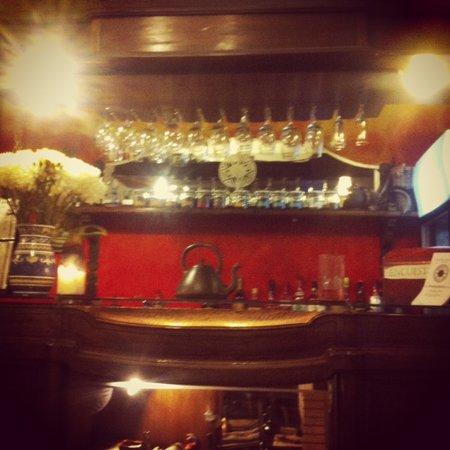 Hostal Rio Amazonas Barrio Brasil: funky little bar :)