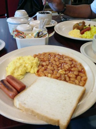 King Park Hotel Kota Kinabalu: Breakfast included.
