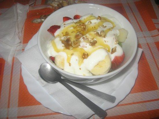 The Old Cottage : Macedonia di frutta fresca, preparata sul momento
