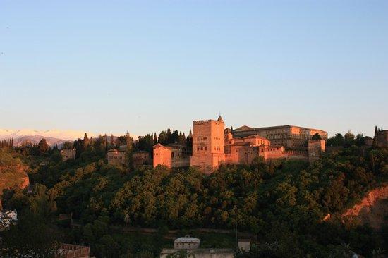 Las-Tres-Terrazas: Vue sur l'Alhambra