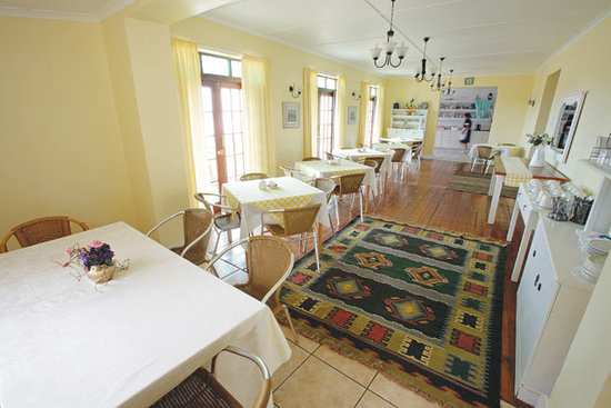 District Six Guesthouse: The Dining area