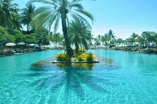 Dusit Thani Hua Hin: awesome pool