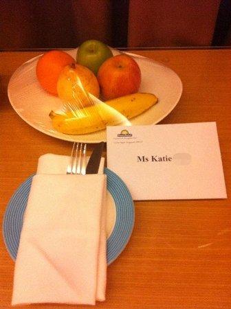 Days Hotel Singapore At Zhongshan Park: Fresh Fruit Platter
