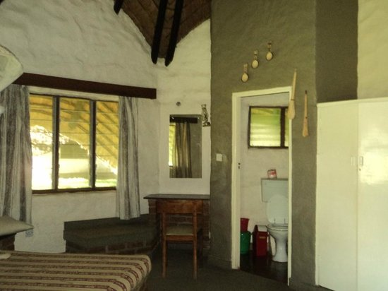 Palm Beach Leisure Resort: Inside the eco hut