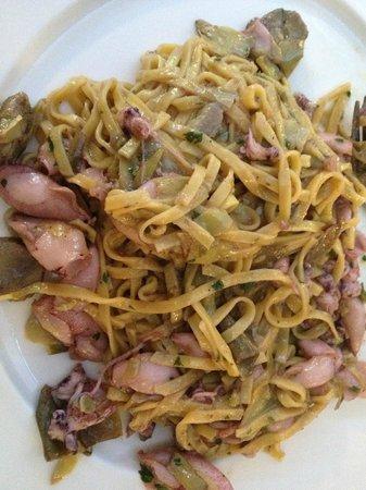Al Postiglione : Calamaretti e castraure con pasta fresca