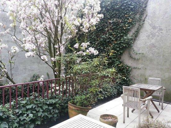 Hotel Acacia: terrace room 106