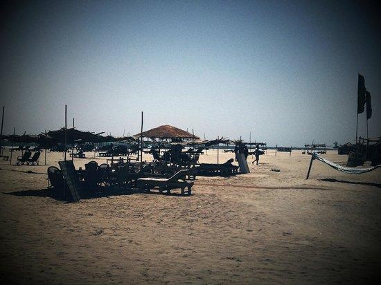 Morjim: Beach Shacks (Note - Filter applied to photo)