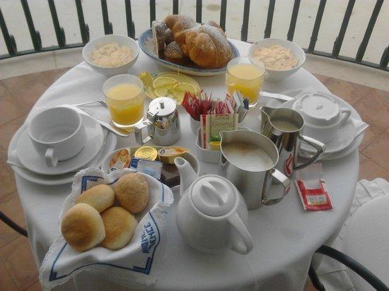 Residence Alcione: Breakfast