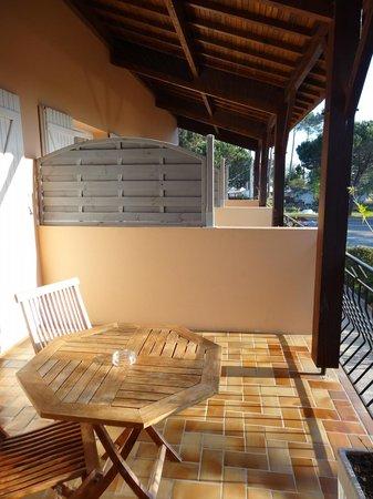 Hotel Transaquitain : Terrasse de la chambre supérieure