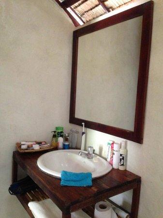 Baan Panburi Village At Yai Beach: Bathroom