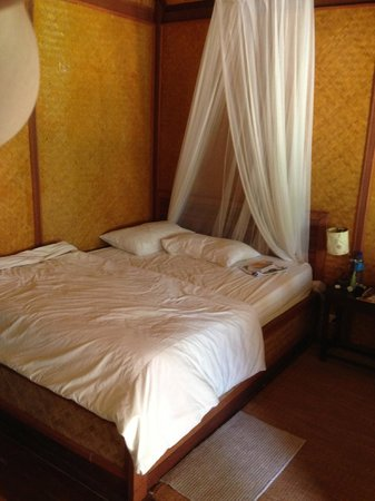 Baan Panburi Village At Yai Beach : The bed, quite comfortable