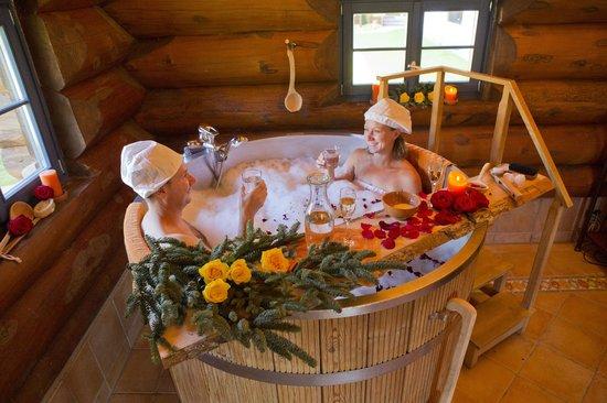 Hotel Lamm: Bad im Holzzuber- Kuschelbad mit Menü