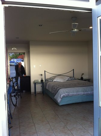 Ahipara Bay Motel: Our deluxe room