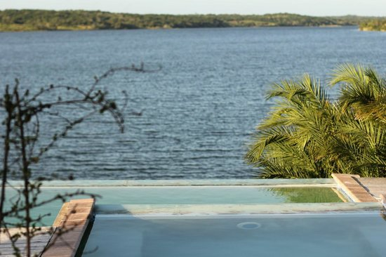 Naara Eco Lodge & Spa: Pool and Lake