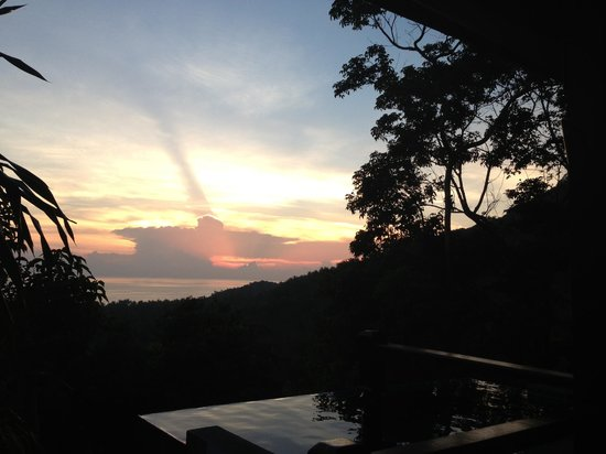 The Place Luxury Boutique Villas: Sunset view from Pool