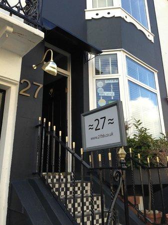 27 Brighton Bed & Breakfast: Entrance