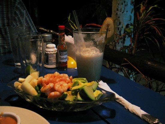 Bar Restaurante Moctezuma : My favorite food and cocktail