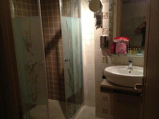 Marmaray Hotel: Dettaglio bagno
