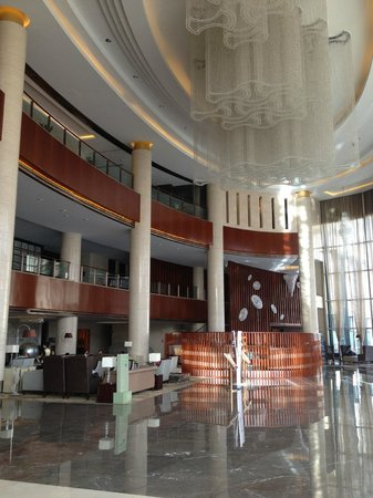 Holiday Inn Yinchuan International Trade Center : Impressive lobby