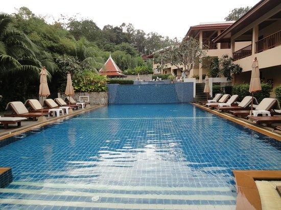 Baan Yuree Resort  and  Spa: Three teired pool