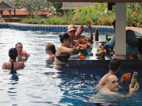 Baan Yuree Resort  and  Spa: Pool Bar