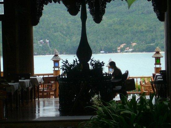 Santhiya Koh Phangan Resort & Spa: restaurant view for breakfast :) indoor and outdoor!