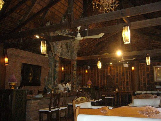 Santhiya Koh Phangan Resort & Spa: the hotel lobby!