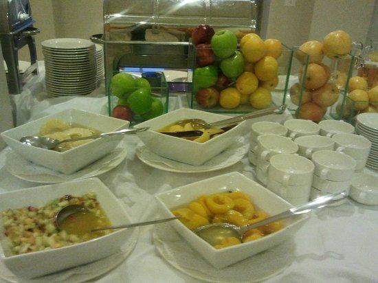 Alma del Lago Suites & Spa: cafe da manhã